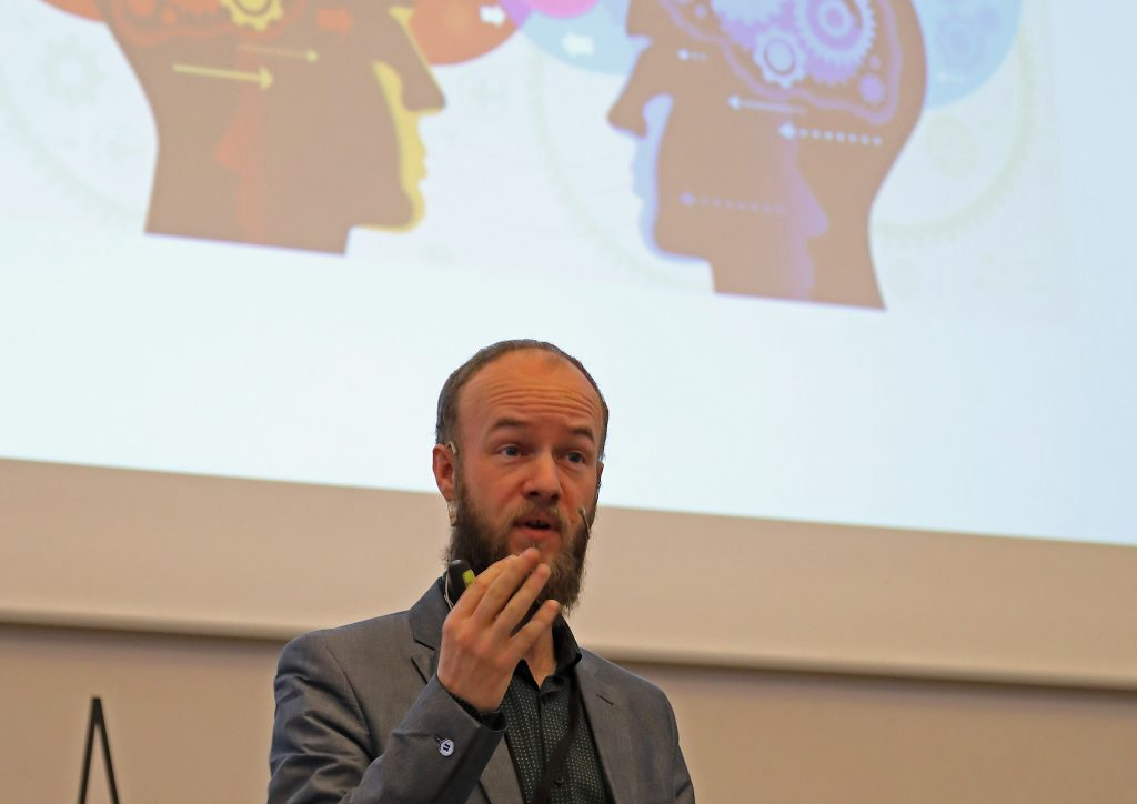 Psykofysiologiske målinger kan gøre os bedre til at fastholde brugerne, lød det i lørdags fra lederen af DR Medieforskning, Dennis Christensen.